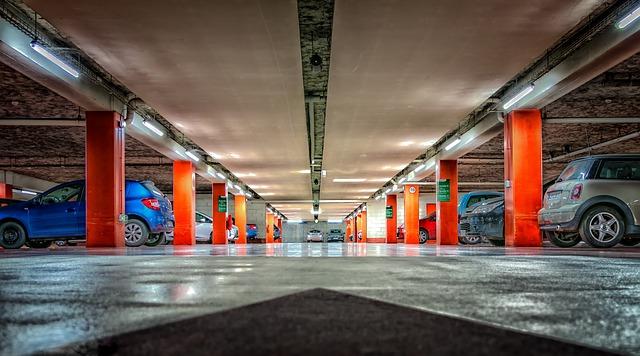 multi-storey-car-park-2705368_640-1