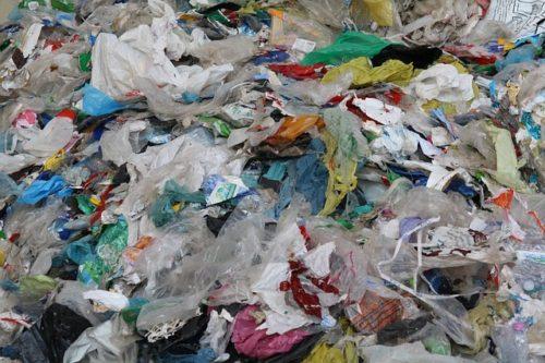 plastic-334546_640
